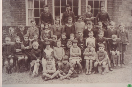 Abbotsley pupils early 1930s