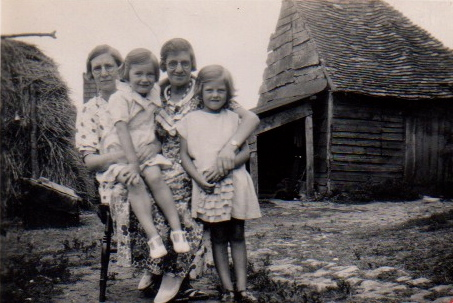 Minnie, Dora and Betty Webb