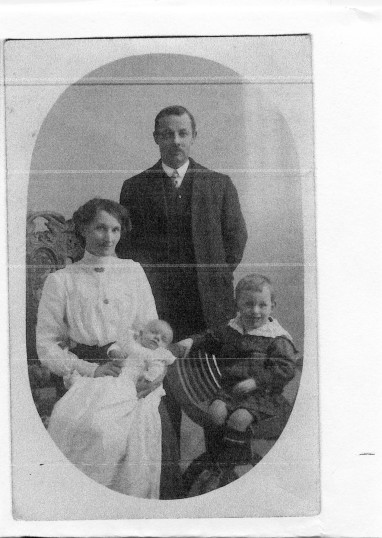 Edward Banks Cade & Phyliss Cade & family