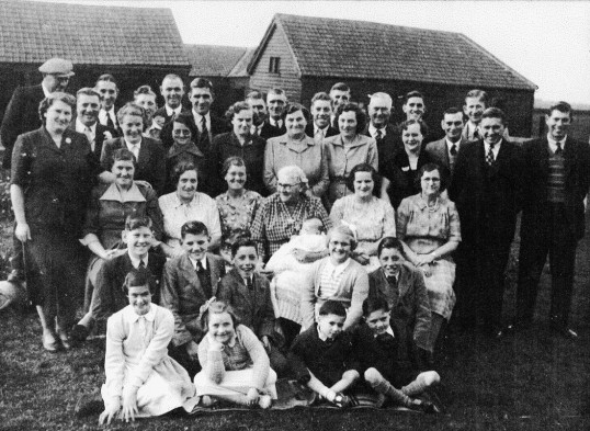 Buddle family of Chatteris gather at Colne Fen Farm.