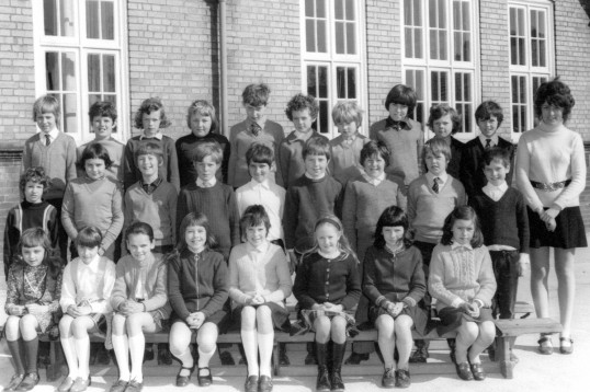 Class photo at King Edward Primary School Chatteris. Chatteris Museum collection