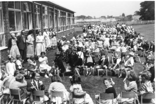 Burnsfield School children, Burnsfield school, Chatteris