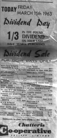 Newspaper clipping advertising Chatteris Co-op Dividend Day. The Co-op was on the High Street in Chatteris. The buildings are now private residences.