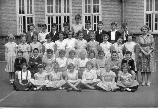 King Edward School Class Photo -kindly contributed by P Gowler.
