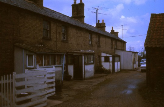 Pecks Yard, off the High Street, Chatteris. Photo courtesey of R Edwards.