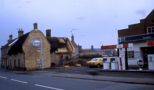 High Street Chatteris. Photo courtesy of R Edwards. Thatched building fronting street was once a pub