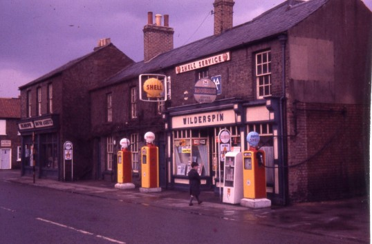 Willderspin garage, High Street. Chatteris. Photo courtesy of R.Edwards.
