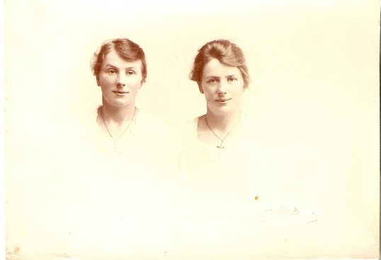 Twins Martha and Emily Bishop, daughters of Fred and Emily Maltman Bishop, born 5 Beezlings, Chatteris and later lived in Bridge Street, Chatteris.