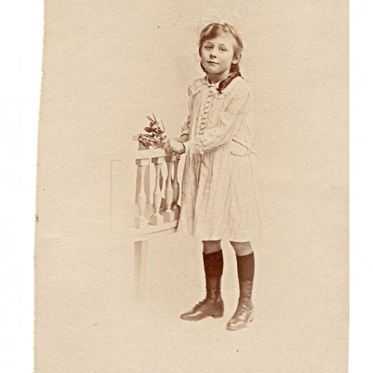 Frances Lilian Bishop, age 7, in 1918, youngest daughter of Fred & Emily Maltman Bishop of 5 Beezlings, Chatteris.