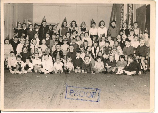 Neighbours  Smith, Harding & Ransome children of Queensway Chatteris, combined birthday party at the New Road Hall.