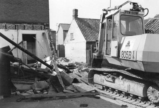 Stuart Stacey collection ; Building demolition for Slade Way