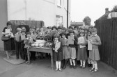 School children enjoy an educational outing, Chatteris (1)-Stuart Stacey Collection