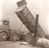 A Cement Lorry at East Pitt, Lime Kiln Hill. Courtesy of Jonathan Phillips