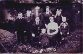 The Moss family, living in a Cottage in Carter Street, Fordham,  (Photo Circa 1914)  Elizabeth Maud   died aged eighteen in 1924.