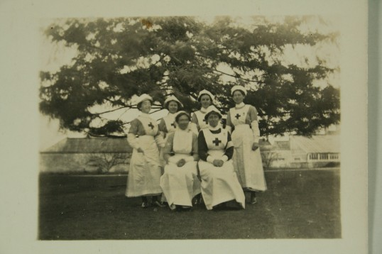 1914-Mildred-Rowleyand-VAD-nurses-IMG_8522