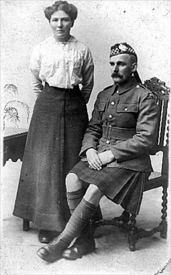 Private Frank Greaves and his wife Ada, 1917
