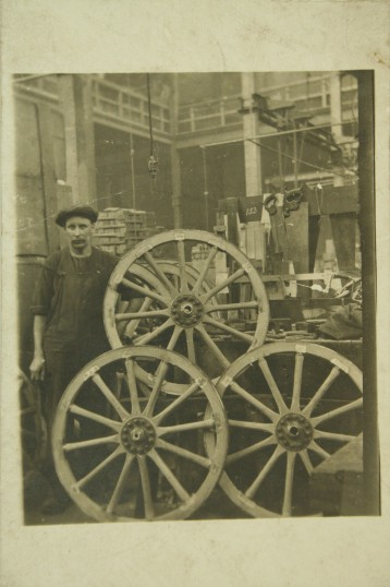 1916-Charles-Ison-Wheelwright-making-wheels-for-army