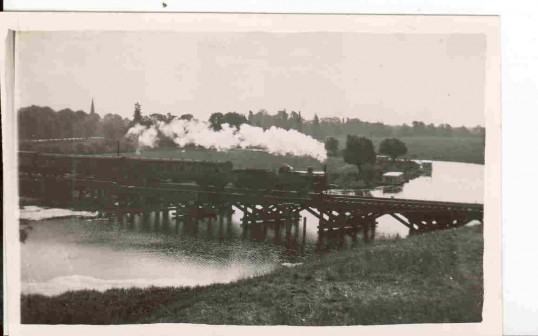Huntingdon and Godmanchester wooden railway bridge built 1851 demolished 1973 on the Cambridge to Kettering line. Alf Holland Collection.