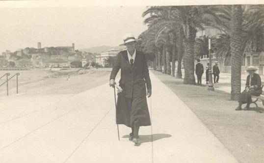 Phyllis in Nice. 1918-19Source Goodliff Archive.