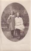 Annie Beard (1905-1968) & sister Elizabeth Beard (1909-1980). Annie & Lizzie Beard