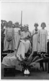 Orwell School May Queen, Shirley Lambert (Robinson) with attendants inclduing Linda Neaves (Wilkins),