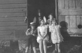 Peggy Miller (nee Peters) with other Children on Manor Farm, Orwell.