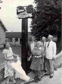Peggy Miller, Stephen Harris, Barbara & Joe Brown (Parish Council Chairman) & designer Norman Summers, at the unveiling of the Orwell Village sign. .