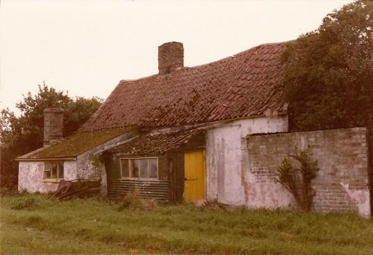 Walnut Cottage, Pymoor Lane, Pymoor, before redevelopment.