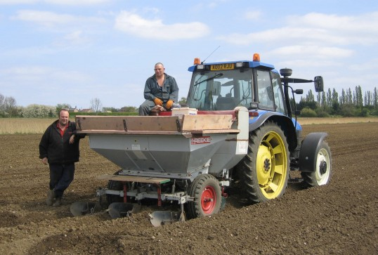 Dale Parson and Alvis on the farm in Pymoor 2007.