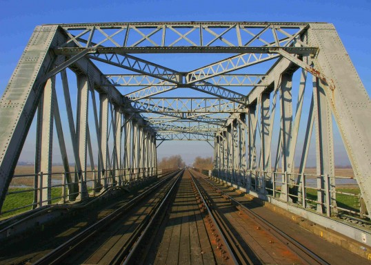 The Iron Railway Bridge that crosses the Hundred Foot River at Pymoor.