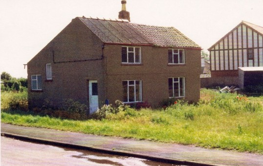 House on the corner of Straight Furlong and Pymoor Lane, Pymoor.