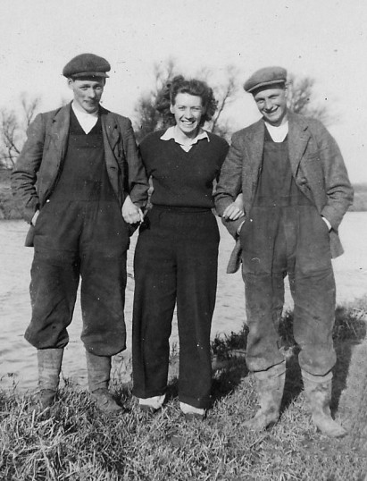 Johnny Martin, Joan Hern and Jim Martin on the Hundred Foot Bank, Pymoor, circa 1946.