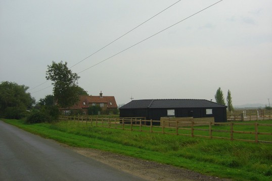 Walnut Cottage and stables in Pymoor Lane, Pymoor, 2008.
