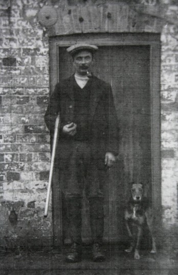 Albert Bartle Snr. outside his house by the Hundred Foot Bank, Oxlode, Pymoor.