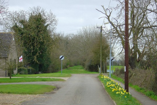 Springtime in School Lane, Pymoor, viewed from the crossroads looking towards Pygore.