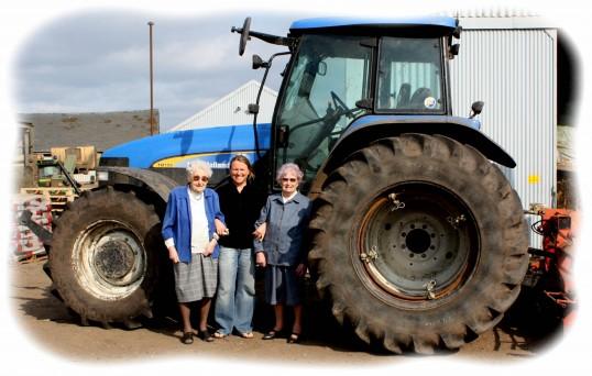 Tina Parson with Joan & Vera Saberton at Laurel Farm, Pymoor.