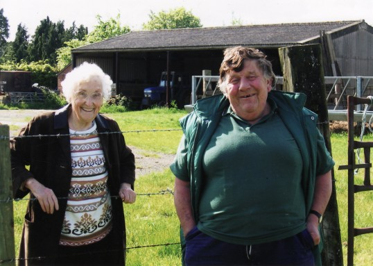 Joan Saberton of Pymoor visiting Chas Saberton at Lawn Lane Farm, Little Downham.