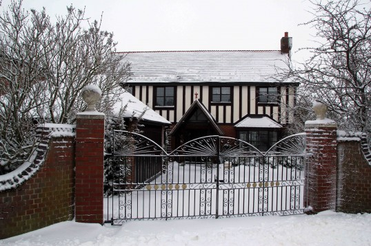 Pymoor received a significant fall of snow during the night of the 4th/5th February. This is Tudor Lodge, Pymoor Lane, Pymoor.