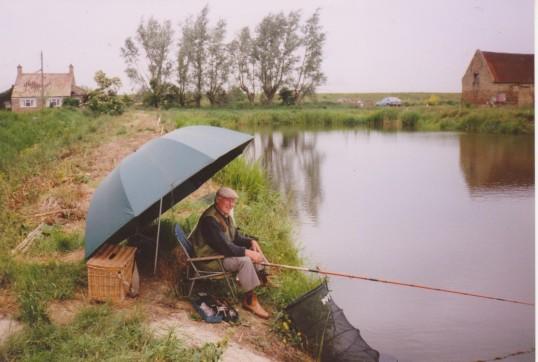 Les Barker at Oxlode Fishing Lakes, 1995