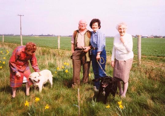 Vera Saberton, Les Barker, Pam Golding and Joan Saberton at Oxlode Fishing Lakes, Oxlode, 1995