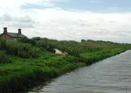 Broken drainage pumps led to dramatically high levels of water in Pymoor drain, 2013