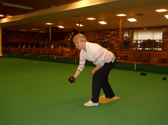 Rosemary Davis of Pymoor playing Bowls at the City of Ely Bowls Club 2015.