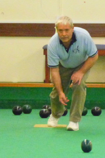 Bill Dennis of Pymoor, playing bowls at the City of Ely Bowls Club, 2017