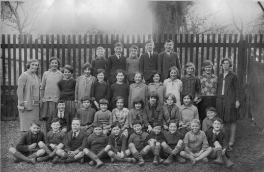 School photograph, Wistow School. The Schoolmistress on the left was Lizzie Howes