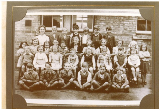 Class Photograph taken at Ramsey Forty Foot School.