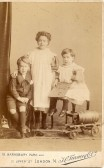 Lionel ,Maude & Rosa May Crouch. Rosa married Horace Chamberlain of Ramsey Hollow