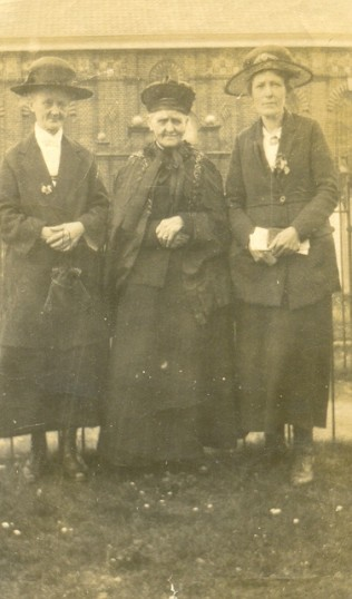 Gt Grandmother & Gt Gt Grandmother & Relation Pauline Harding