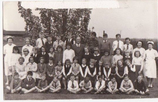 Mereside School children, with Mr Quincey Headmaster,  Mrs Qujncey Juniors Teacher,  Mrs Kirk, First year teacher.