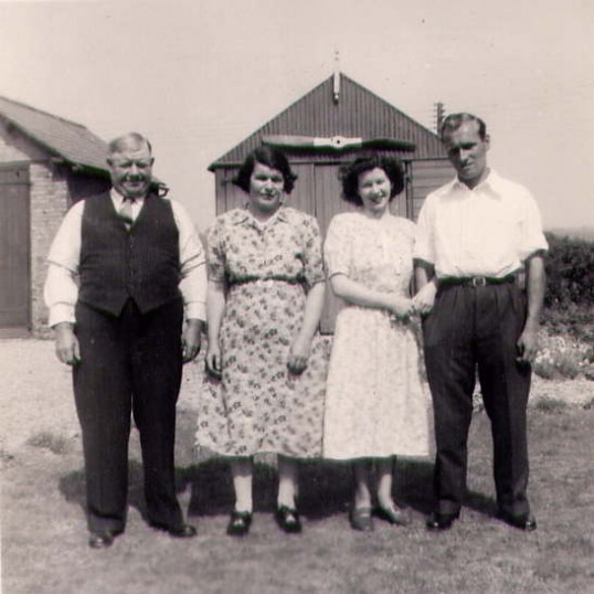 Bishop and Day family photograph, Hill Villa, Bury