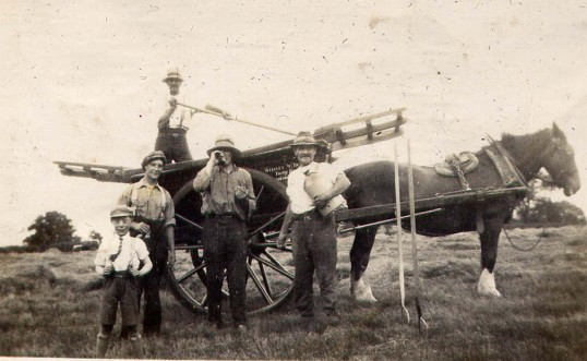 Breaktime during Harvesting at Mere Farm, Ramsey Forty Foot